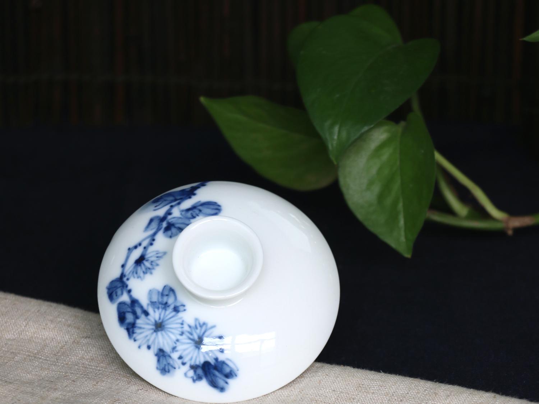 手绘青花盖碗--菊